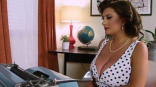 Cougar Porn Model Secretary, Boobslap