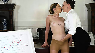 Jane Wilde And Her Horny Boss Dana Dearmond Licked Pussy Of Each Others