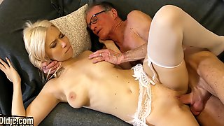 Grandpa Penetrates Teen Pussy And She Sucks His Cock