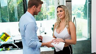 Big Tit Blonde, Kenzie Taylor, Showers At Neighbors House And Get Soaked In Cum