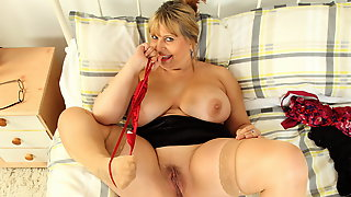 Big Boobed Mature Alexa Gives Her Old Slit A Treat