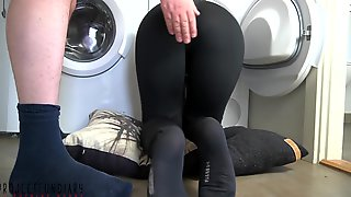 Stuck Housewife In Tight Leggings Banged - Projectsexdiary