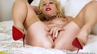 Lucy Gresty In Big Boobs Blonde Milf Jerks Off In Vintage Girdle And Stockings
