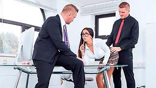 Julia De Lucía, Horny Secretary In A Threesome With DP