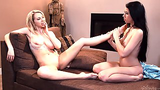 Fabulous Nude XXX For Two Lesbians On Fire
