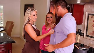 Sweet Ladies Carolyn Reese And Lexi Belle Are Getting Fucked