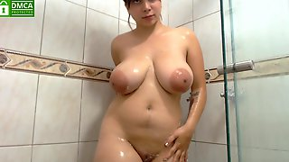 Busty Teen Kimberly Knows How To Handle A Big One