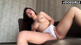 Doegirls - Hayli Sanders Sexy Large Butt Ukrainian Teen Homemade Sex Toy Masturbation In Quarantine With Her Toy