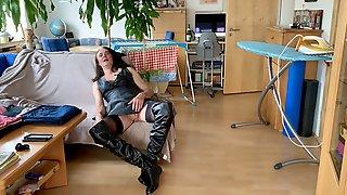 Leather Hooker Erika