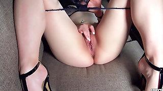 I Make Myself Orgasm In Killer Underwear And High High-heeled Shoes