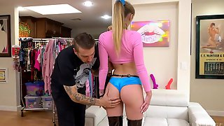 Tall Babe With A Nice Ass And Big Boobs Angel Youngs Loves Casual Fuck