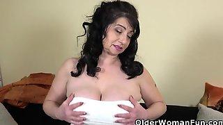 Older Mother Id Like To Fuck Klara Needs An Explosive Orgasmic Release
