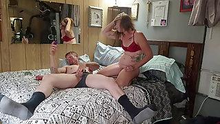 Sexy Milf Smokes While Sucking Hot Folks Jizz-shotgun, He Gives Her A Great Fuckin
