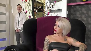 Libidinous Hottie With Pretty Face Gets Banged By The Guy