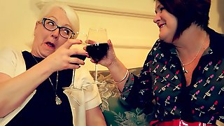 Older Married Lesbos Fingering - Morgana Muses & Cassandra Sie