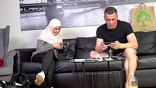 Punishing A Disobedient Muslim Wife 2
