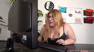 Elisa Mae Is An Insatiable, Blonde Plumper With Big Tits, Who Knows How To Suck Cock