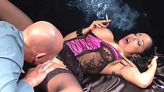 Hot Brunette Gets Her Pussy Licked While Smoking