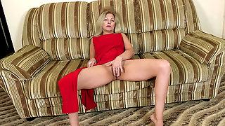 Masturbation From Mature Blonde Olga Leona