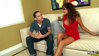 Busty Milf Bella Roxx Seduces A Guy And Has A Fuck With Him