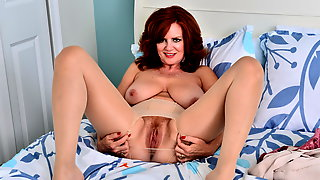 Busty Mature Andis Hot Body Makes You Drool