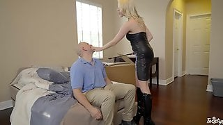 Small Boobs Blondie Cadence Lux In Leather Spreads Her Legs To Ride