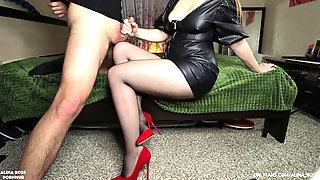 Femdom Handjob In Pantyhose High High-heeled Shoes - Jizz On Super-sexy Legs