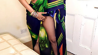 Humped Her Aunt Fiercely When Uncle Went Out, Hindi Audio
