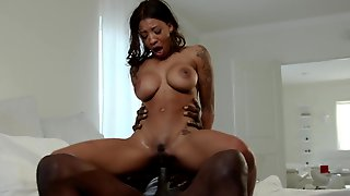 Black Nympho With Huge Melons Gets Fucked After Giving Head