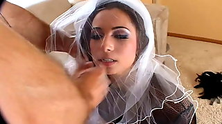 Just Married And Turned Into A Slut – Facefuck Extreme