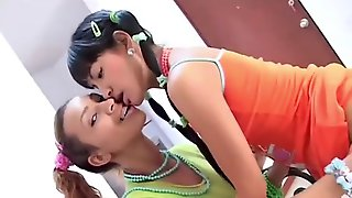 Serena 18 Has Lesbian Sex With Her Brunette Friend