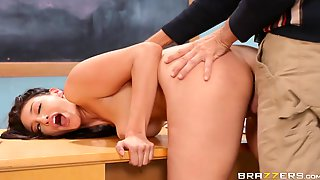 Brunette Student Gets Vaginal And Anal Fuck In The Class