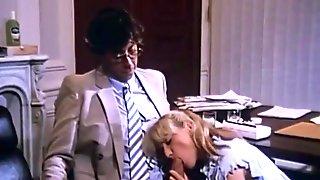 Carole Pierac And Laura Clair - Fucking In A Cinema Room And Cum Pussy (eyaculada En Vagina)