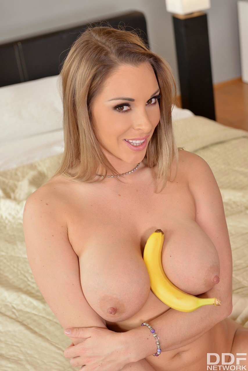 1 By Day Victoria Summers