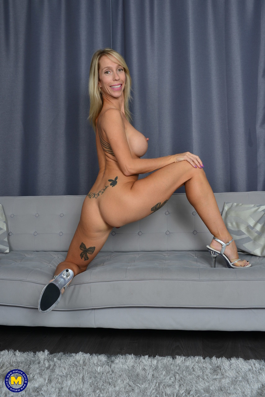 Mature.nl Mary-Queen Fox