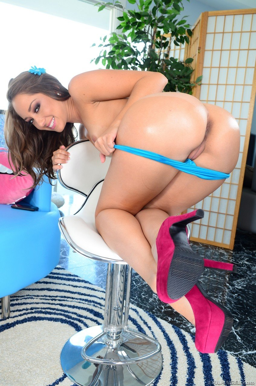 Petite Remy Lacroix gets on the chair and shows her amazing booty