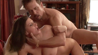 Sara Stone seduces dude with her naked cunt and boobs