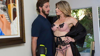 Blonde MILF Cory Chase wants cock and Lucas is there to fuck her!!