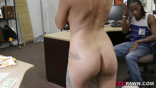 Shagging your girl in my pawn shop - Hard Fuck