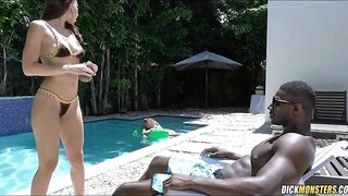 Gorgeous Swimsuit Babe finds a Black Treat