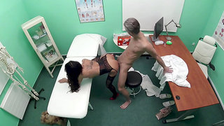 Whore Valentina Sierra pays for medical services with sex