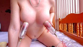 Vacuum pump for long nipples