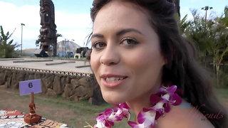 Enjoying a super sexy holiday in Hawaii