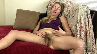 Phoebe gives an interview, she loves oral.