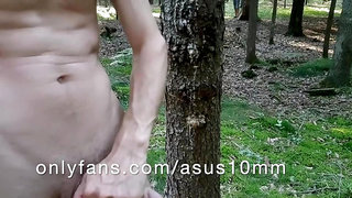 Cruising Forest naked CAUGHT HIDDEN from an interested guy!