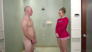 Hot massage girl AJ Applegate provides her man with unforgettable pleasure