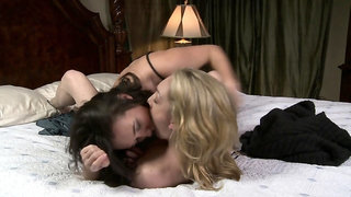 Hot lesbians loves to lick and strapon