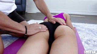 Marcus joins MILF Lilian in her workout routine