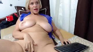 Blond huge knockers cougar webcam masturbating solo