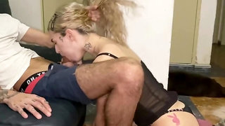 Teen gf gives deepthroat on her knees and gets cumshot in throat